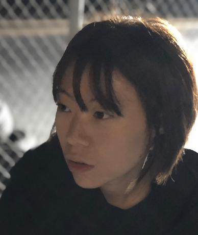 蝴蝶百合公寓-导演